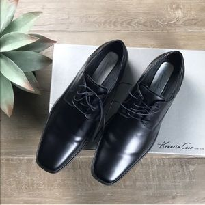 Kenneth Cole Meet The Family Black Oxfords